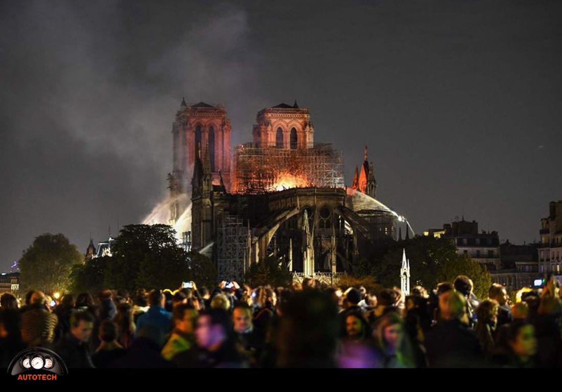آتش سوزی کلیسای نوتردام پاریس